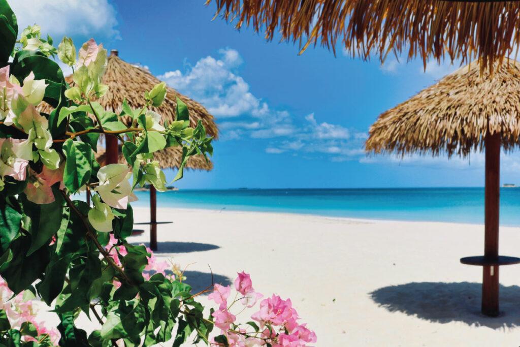 Dickenson-Bay-Antigua-Barbuda