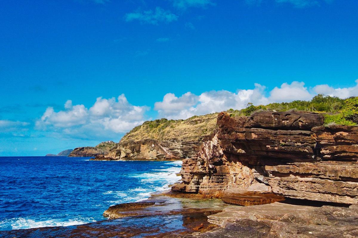 Hike-to-Mermaid-Gardens-Antigua-barbuda